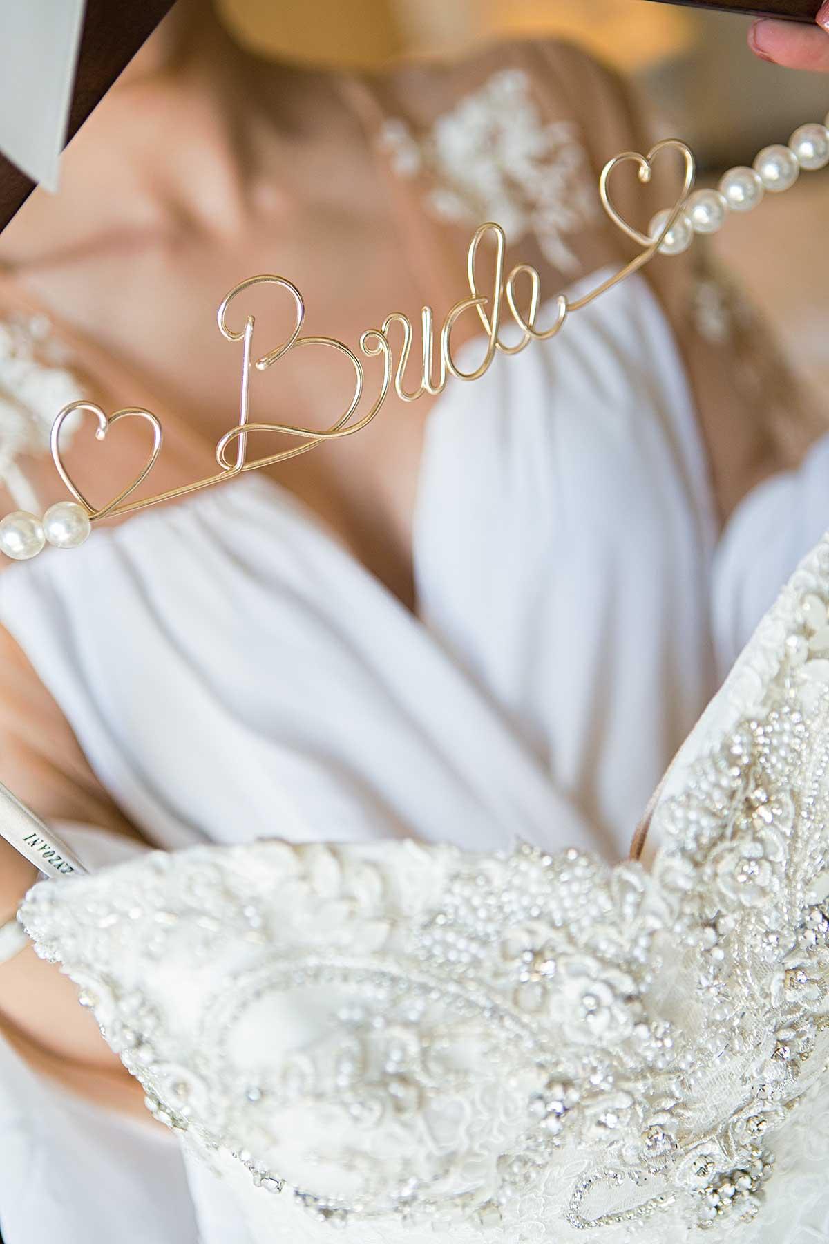 bride-hanger